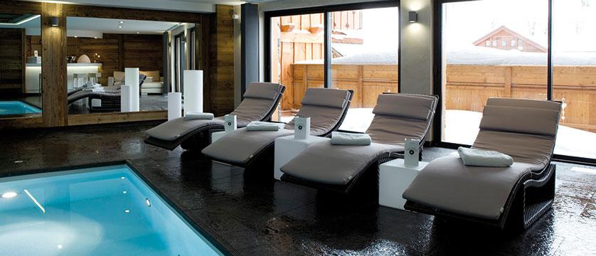 france_three-valleys-ski-area_meribel_hotel-kaila_swimming-pool2.jpg